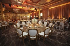 Jose-Graterol-Designs-Turnberry-Isle-Best-Miami-Wedding-tables-room-lighting-draping-1046x697